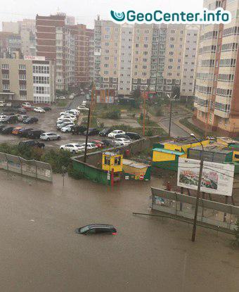 Наводнение из-за мощного ливня в Красноярске, Россия август 2017 года