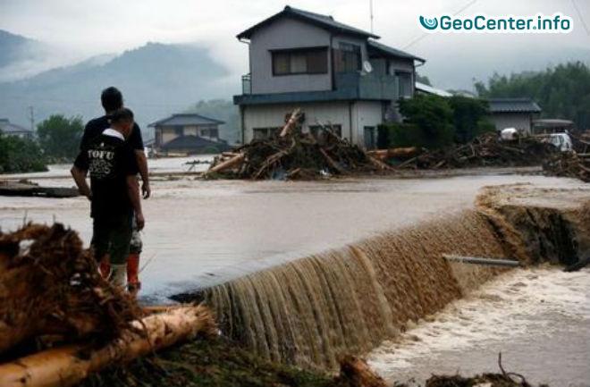 На острове Хонсю  наводнение, идет эвакуация  города, июль 2017 года