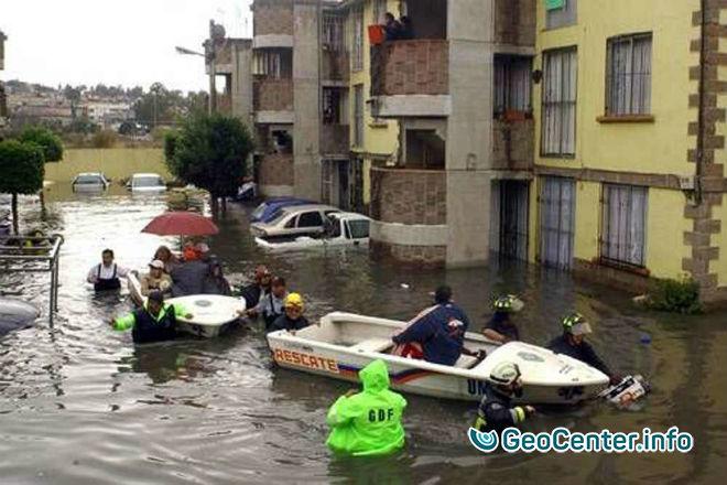 Наводнение в столице Мексики, 28 июня 2017