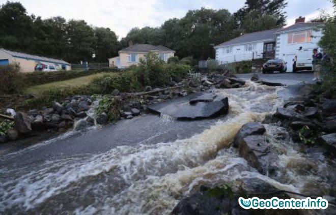 Наводнение в графстве Корнуолл, июль Англия