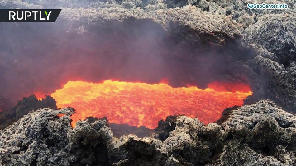 Вулкан Этна снова извергает лаву в марте 2017 года