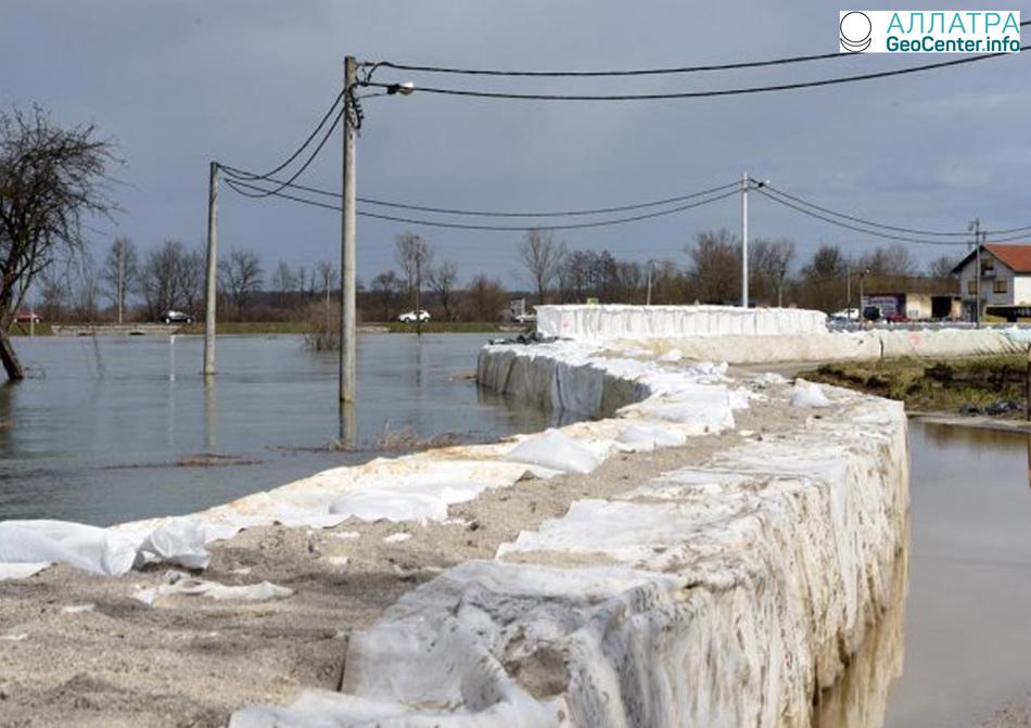 Затопления, оползень и градовый шторм в Хорватии, март 2018 г.