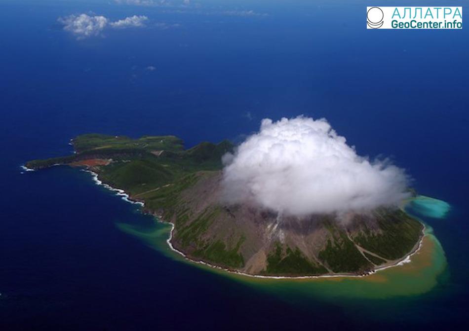 В Японии активизировался вулкан Сацума-Иодзима, март 2018 года