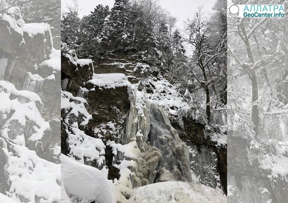 Замерзшие водопады Западной Украины, март 2018 г.