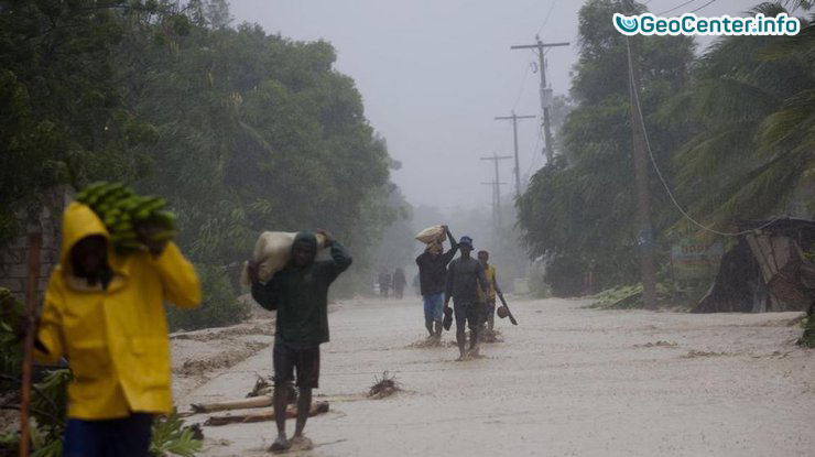 """Ураган """"Мэттью"""" обрушился на  страны Карибских островов и  Флориду"""