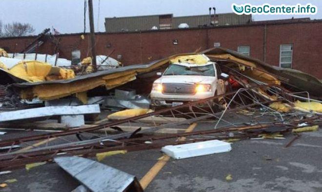 Американский штат Миссури пострадал от торнадо, апрель 2017 года