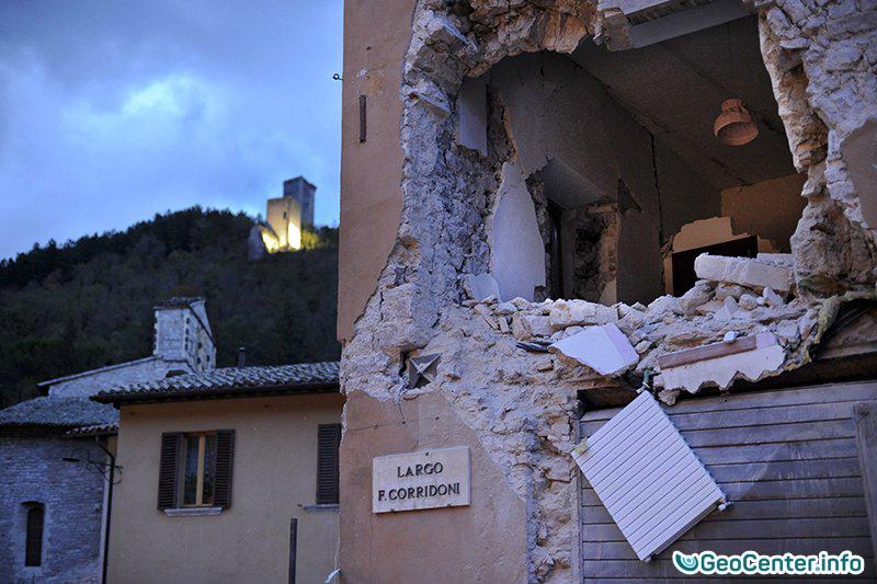 Землетрясения в Италии 26-27 октября