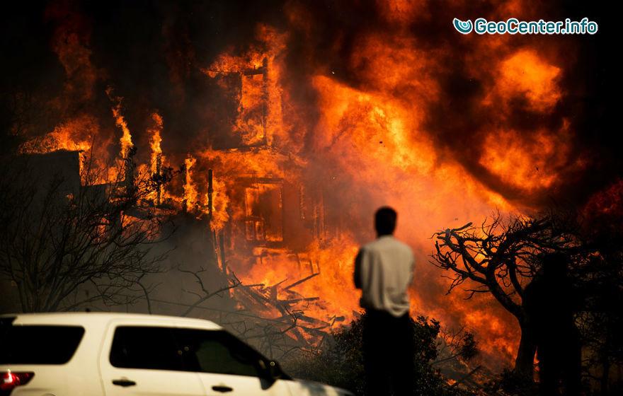 Калифорнийские пожары продолжают бушевать, декабрь 2017