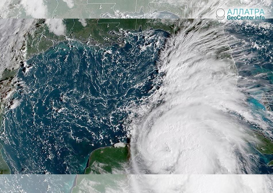 """Ураган """"Майкл"""" движется в сторону Флориды (США), октябрь 2018 г."""