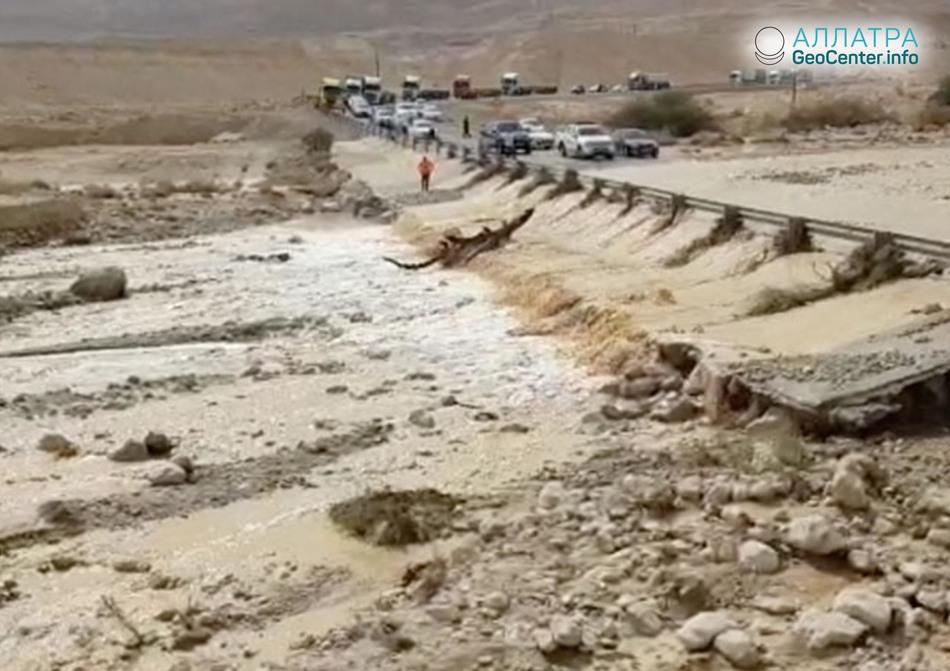 Масштабное наводнение обрушилось на Израиль, апрель 2018