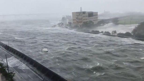 Тайфун «Джеби» в Японии и на Сахалине 4 сентября 2018 года.