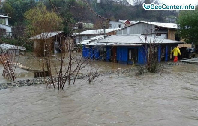 В Чили люди остались без крова из-за снегопадов и ливней