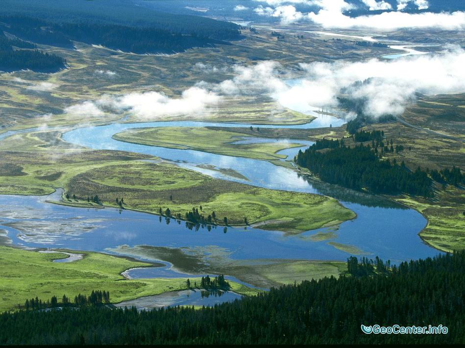 Власти США закрыли реку Йеллоустоун для посещений