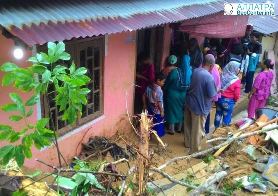 Наводнения и  оползни в Индонезии, март 2018 г.
