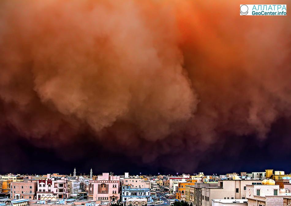 Песчаная буря в Кувейте 16 марта 2018 года
