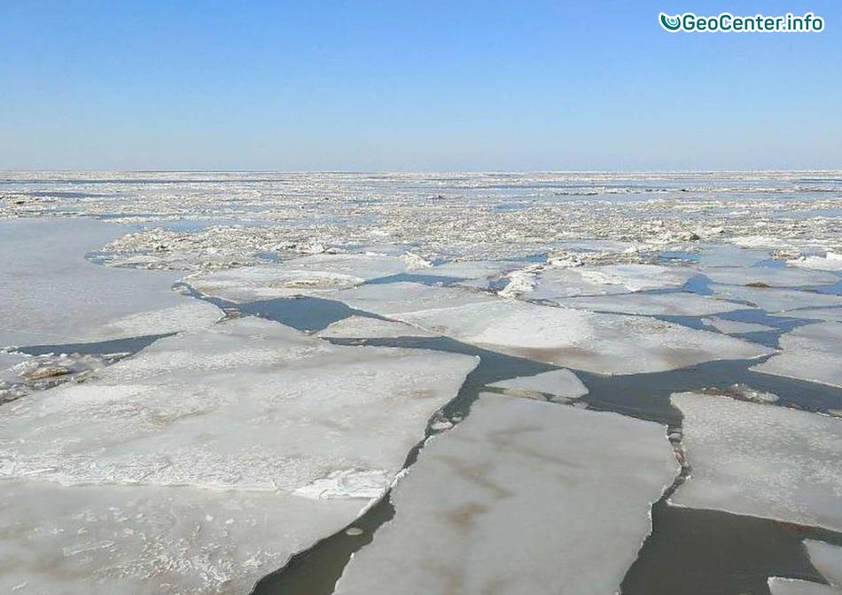 В Китае замёрзли залив Даляньвань и водопад Хукоу, февраль 2018 г.