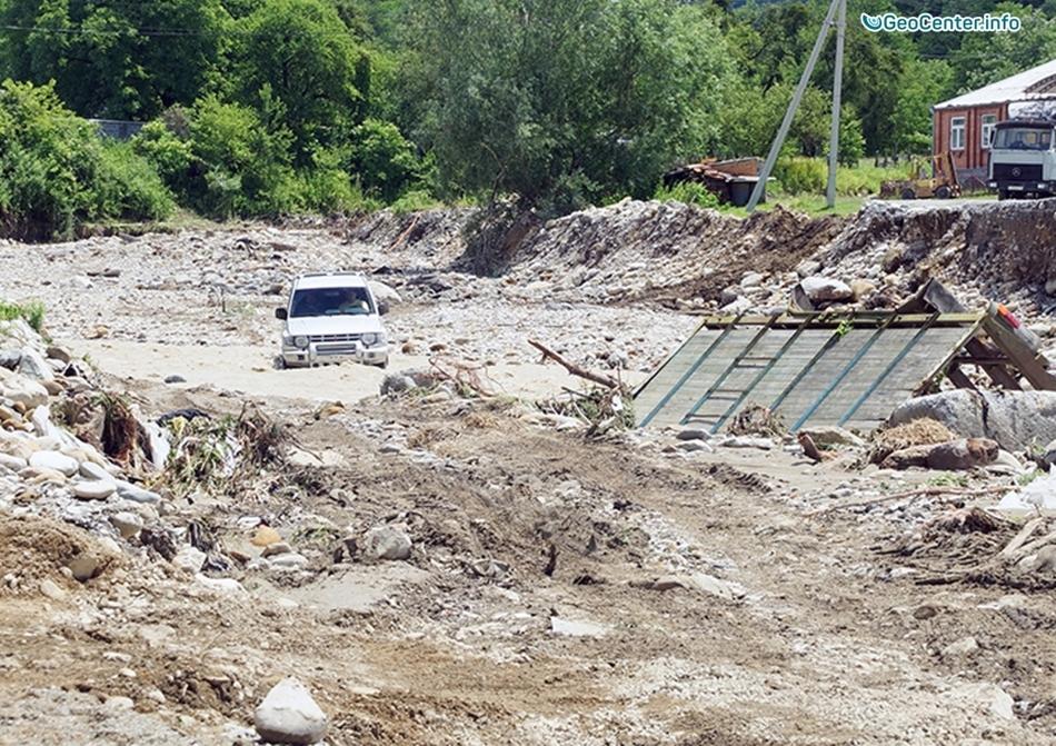 Наводнение и селевый сход в Северной Осетии