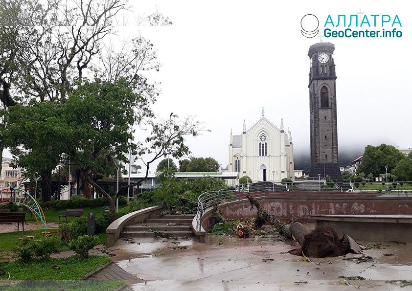 Непогода в Бразилии: торнадо, гроза и крупный град, 31 октября 2018 г.