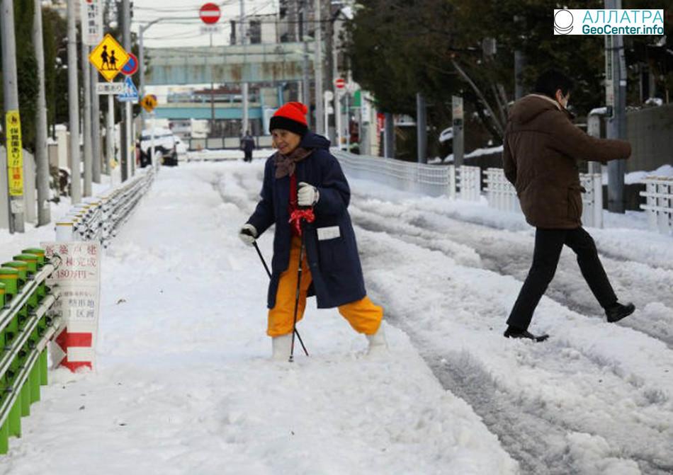 Учёные назвали возможную причину аномально снежной зимы в Японии, 2017-2018 гг.