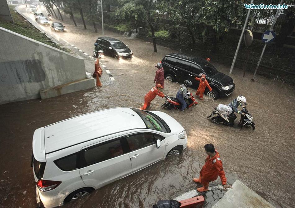 Сильные ливни затопили Джакарту (Индонезия), декабрь 2017