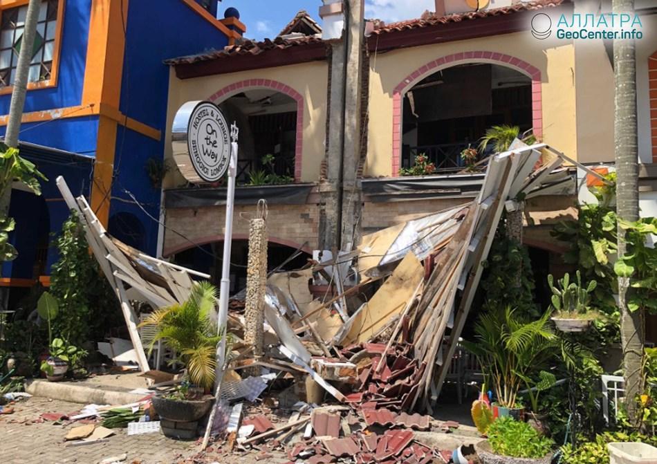 Последствия разрушительного землетрясения магнитудой 6,9 в Индонезии, август 2018 года