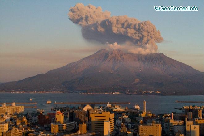 Японский вулкан Сакурадзима готовится к своему крупнейшему за 100 лет извержению