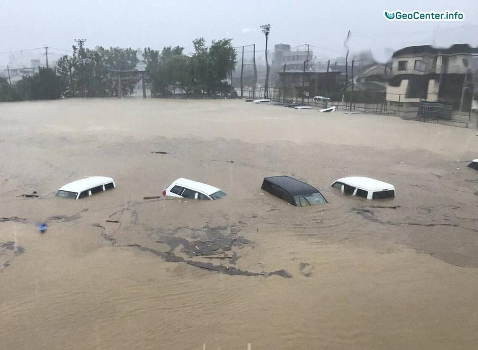"""Тропический циклон """"Талим"""" пришел в Японию, 17 сентября 2017"""