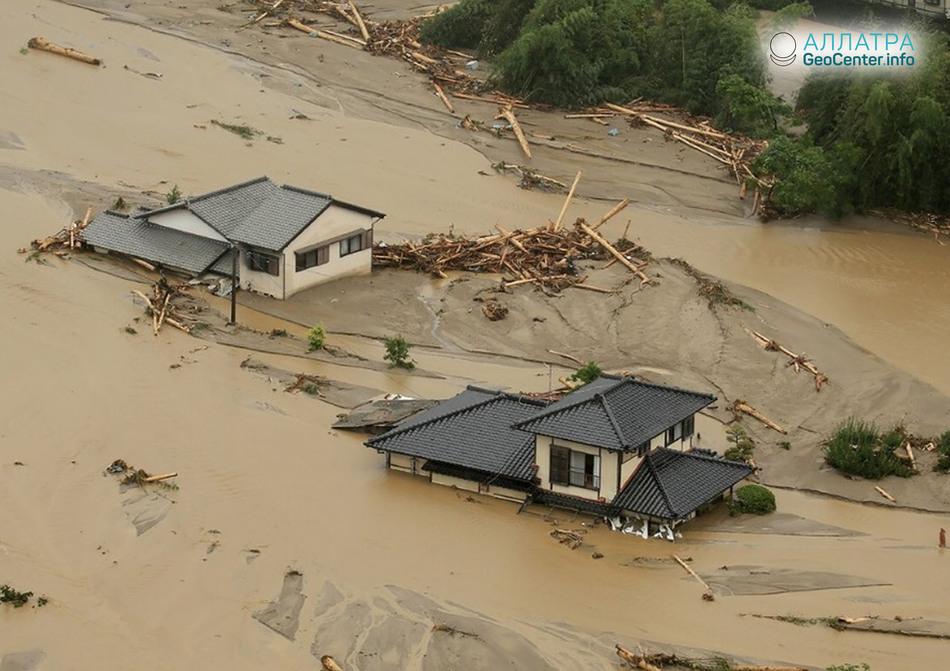 Наводнения в Японии, июль 2018 г.
