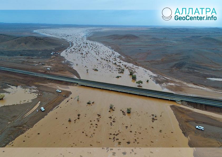 Наводнение в Саудовской Аравии, октябрь 2018 г.