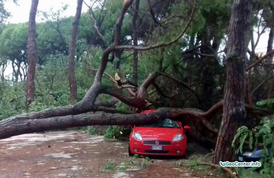 Последствия сильного  шторма  в Венеции, 10 августа 2017 года