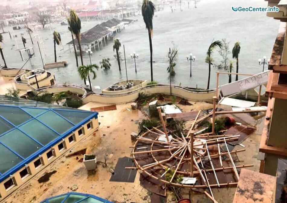 """Новости от специалистов Национального Ураганного Центра в США (NHC): """"Ирма"""", """"Хосе"""", """"Катя"""""""