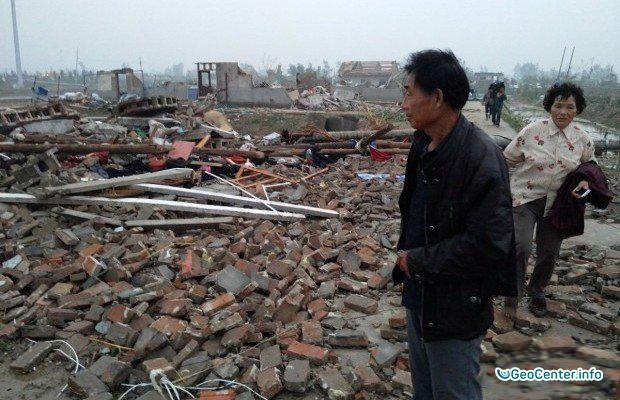 Торнадо в Китае. Видео, 25 июля 2016