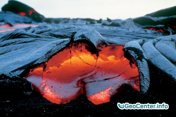 NEW YELLOWSTONE: GEOLOGIST CONSIDERS UNDERSTANDING ANOTHER DANGEROUS VOLCANO