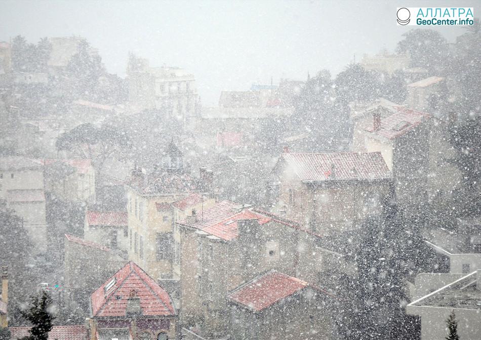 Снегопад в Марселе, март 2018 года