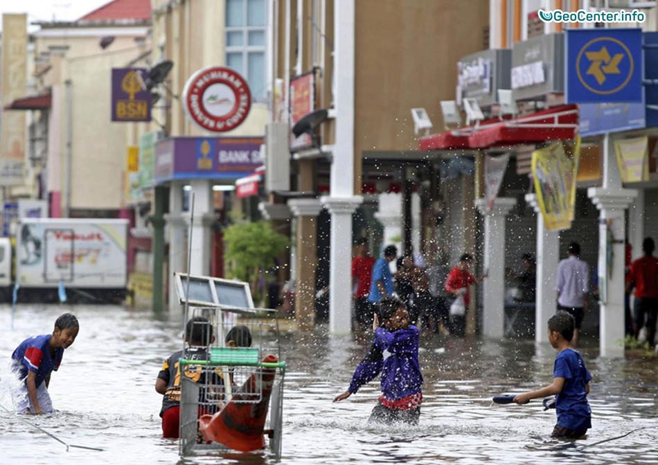 Наводнения в Малайзии, январь 2018 г.