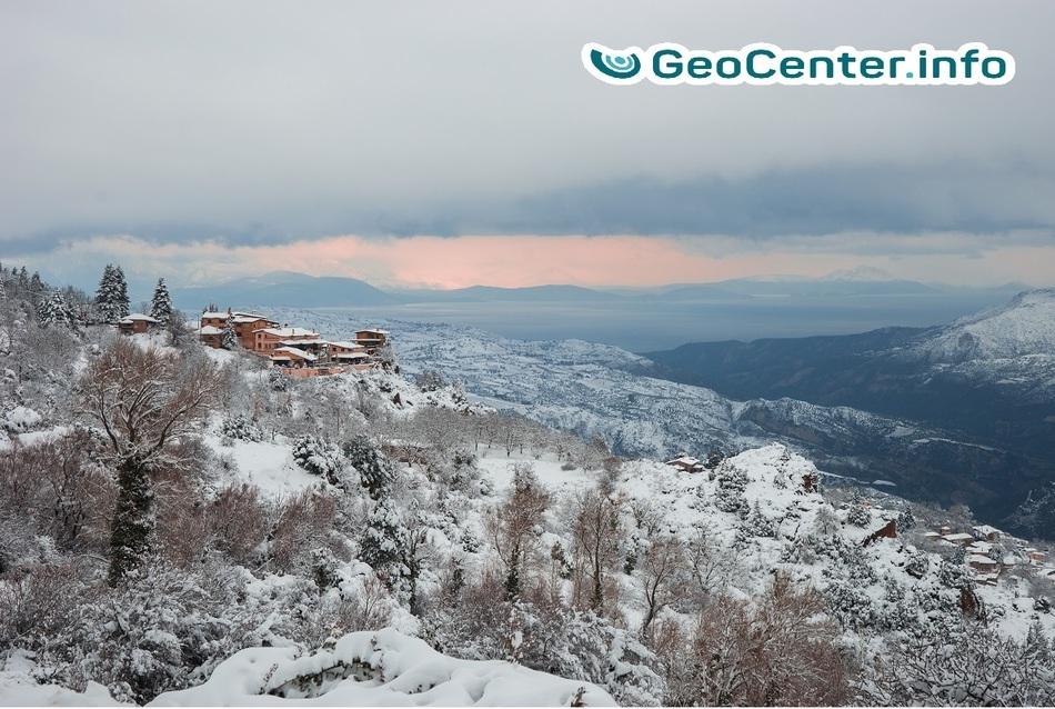 """Циклон """"Тесей"""" принёс в Грецию снегопады и наводнения, январь 2018 г."""