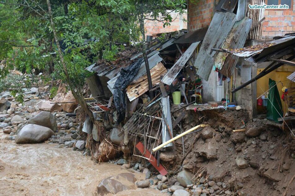 Колумбия: мощный оползень в городе Мокоа