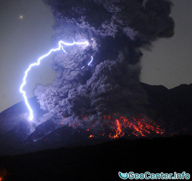 В Японии вновь взорвался вулкан Сакурадзима, 26 июля 2016