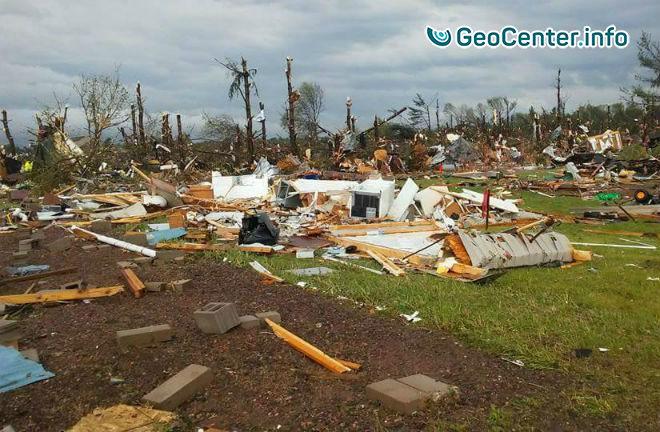 Разрушительный торнадо в  штате Висконсин, США, май 2017