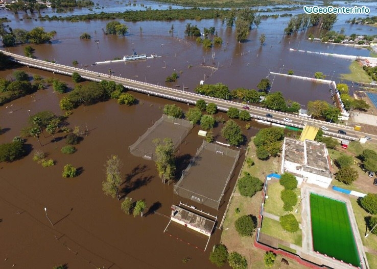 Наводнение в городе Артигас, Уругвай