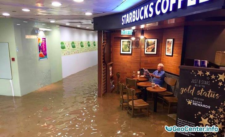 Наводнение в Гонконге 19 октября 2016
