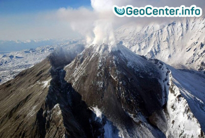Камчатский вулкан Безымянный.