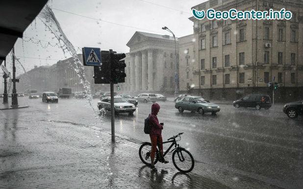 Непогода в Беларуси - сильный ветер и снегопад пронесся по стране