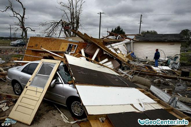 Множественные торнадо буйствуют в штате Техас, США
