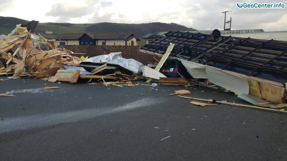 Сильный шторм на Уэльсе