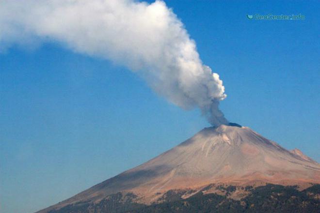 Вулкан Попокатепетль в Мексике произвел 137 взрывов за сутки 7 сентября