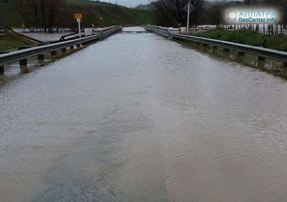 Наводнения на Северном острове в Новой Зеландии, 11 июня 2018 г.