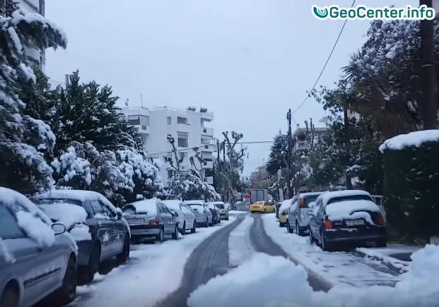 Выпал снег в теплых краях, в Афинах