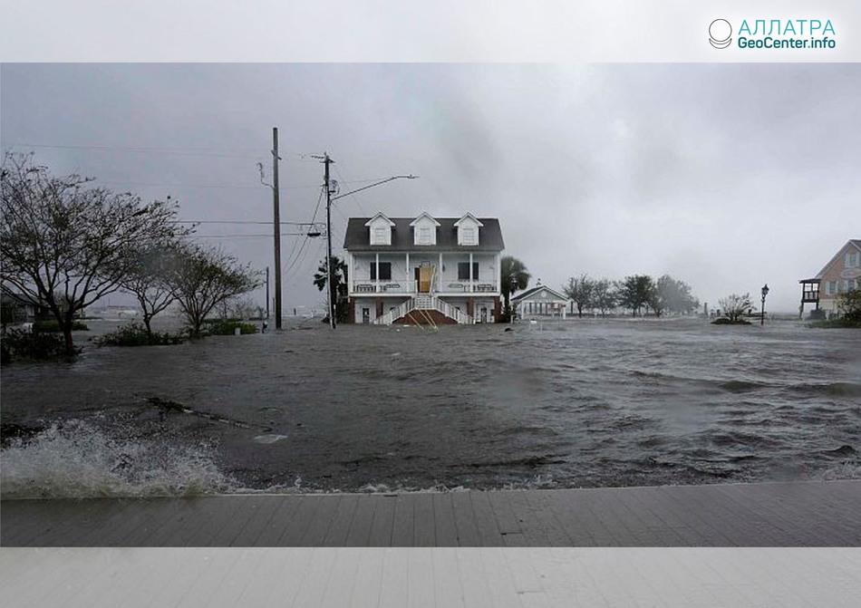 Наводнения в Северной Каролине (США), сентябрь 2018 г.