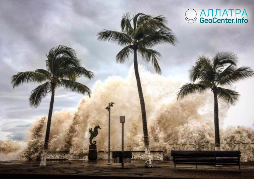 """Ураган """"Уилла"""" обрушился на Мексику, октябрь 2018 г."""